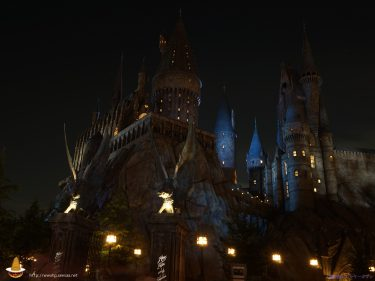 夜のホグワーツ城Hogwarts at WWOHP in USJ