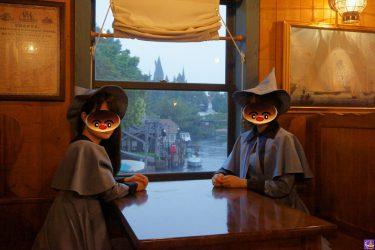 ボーバトン魔法アカデミーの生徒がホグワーツを望むホグワーツ特急の車窓から!?魔女仮装でUSJ魔法界へ♪