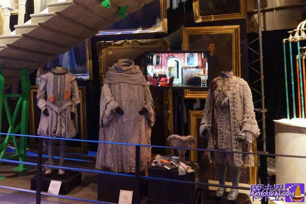 階段下にはホグワーツのゴーストたちの衣装 ワーナーブラザース ハリーポッタースタジオツアー(イギリス/ロンドン)