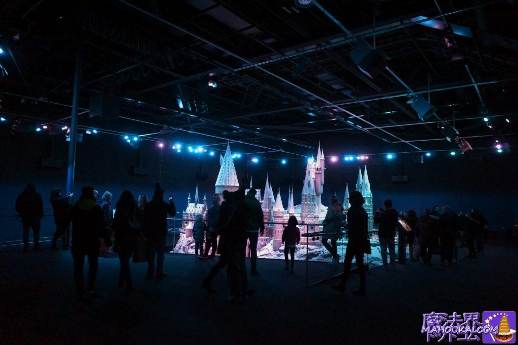 1/24サイズのリアルで大きなホグワーツ城の模型(ハリポタの映画撮影に使用) ワーナーブラザーススタジオツアー メイキング・オブ・ハリーポッター(イギリス/ロンドン)