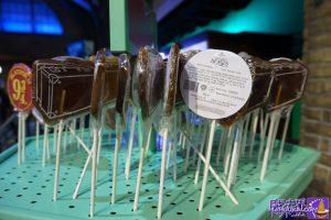 ファンタスティックビーストのニュート・スキャマンダーのスーツケースのコーラ味キャンデーな