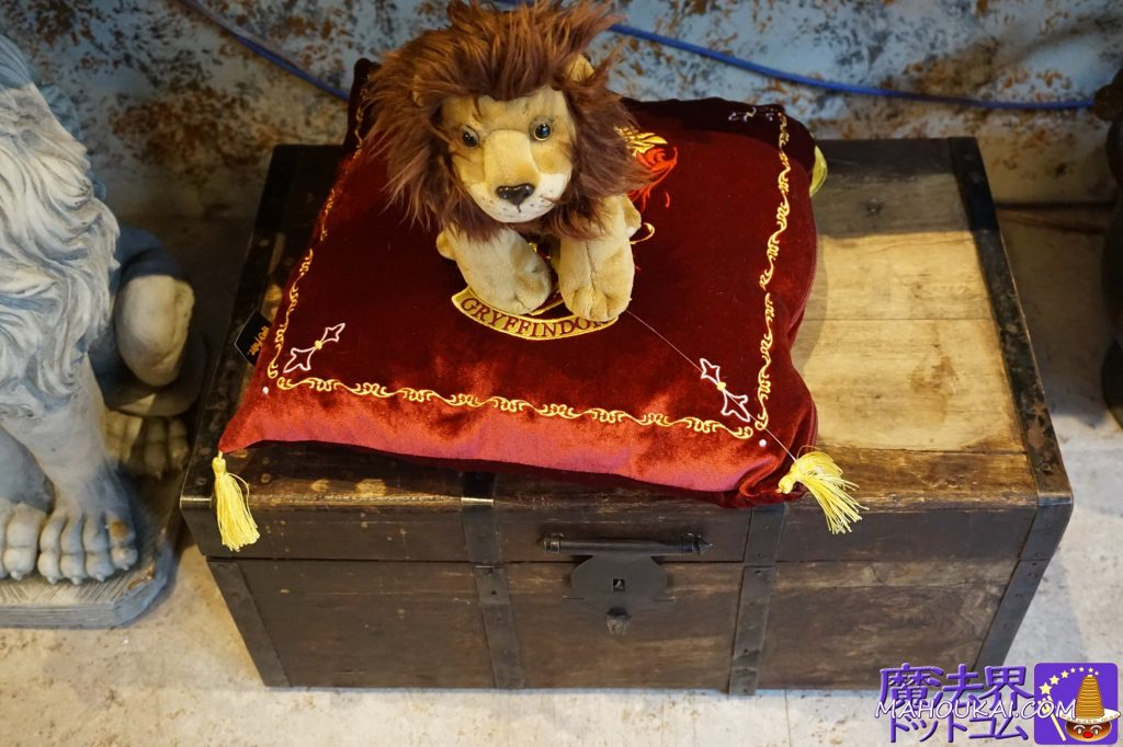 クッション付きグリフィンドールのマスコットのライオン