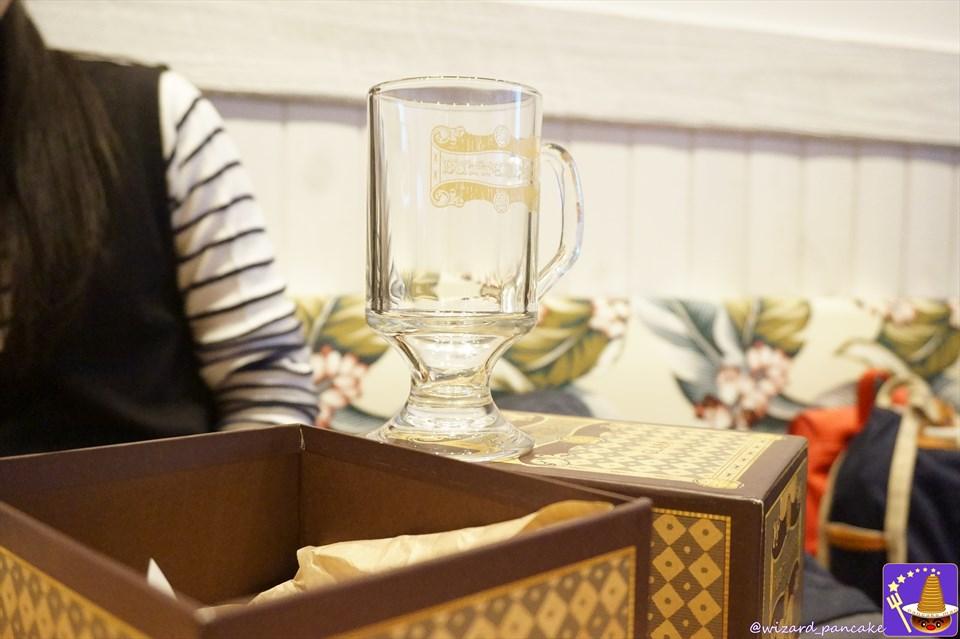 バタービールのグラス ハリポタ新グッズが登場♪ほぼレプリカ!? USJフィルチの没収品店etc 魔法使いパンケーキマン・ダンブルドア