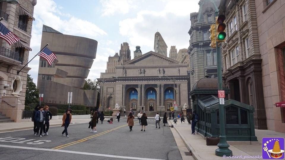 USJニューヨークエリアはファンタビのニューヨークの世界だ!撮影スポットだらけ♪特に地下鉄の緑色の出入口etc 魔法使いパンケーキマン・スキャマンダー