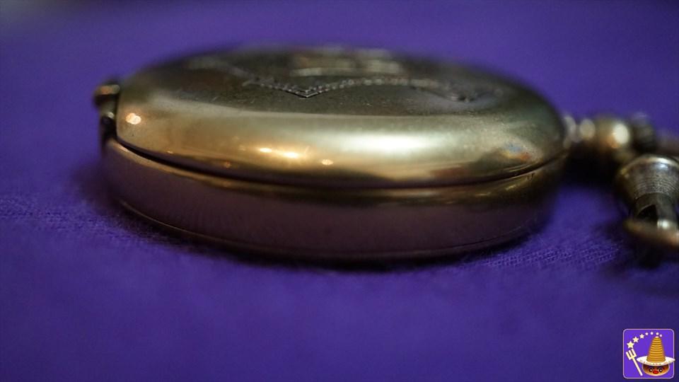 アルバス ダンブルドアの金時計(懐中時計)は数字が無く、惑星に針が12本! (FOSSIL製)限定2500個 魔法使いパンケーキマン